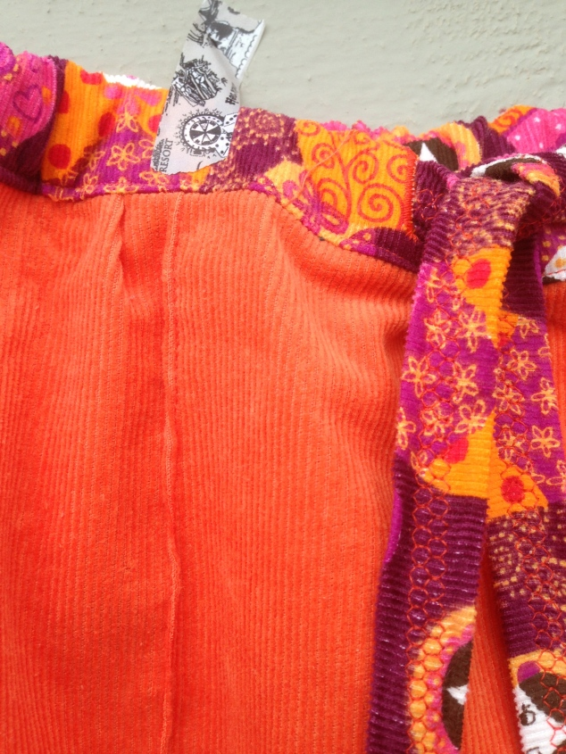 Orange bukse, linning,