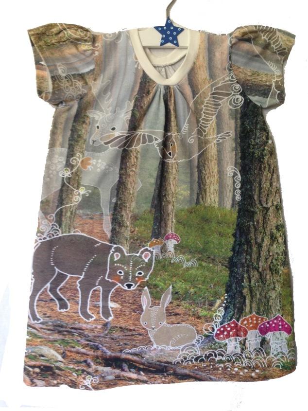 Tunika/kort kjole med korte ermer, størrelse 4 år.