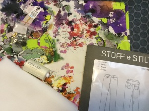 Pakke fra Stoff & Stil